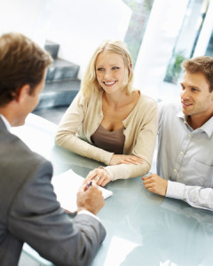 couple-meeting-with-mortgage-broker